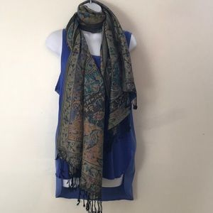 Accessories - Stunning 100 % Pashmina shawl or scarf
